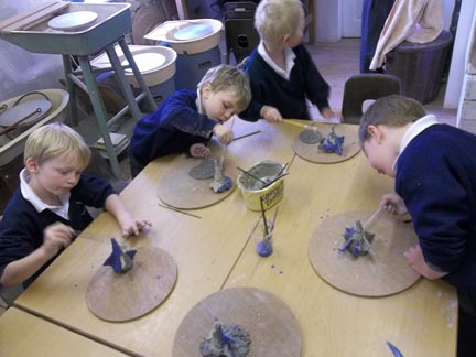 yr r from eastnor primary school worked with jon and sarah at eastnor pottery herefordshire