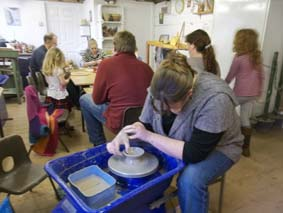 rochelle and family and friends get creative at eastnor pottery at the weekend