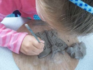 Worcestershire first school pottery project with ceramic artist