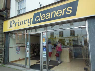 no more fabulous eastnor pottery displays in Ledbury dry cleaners