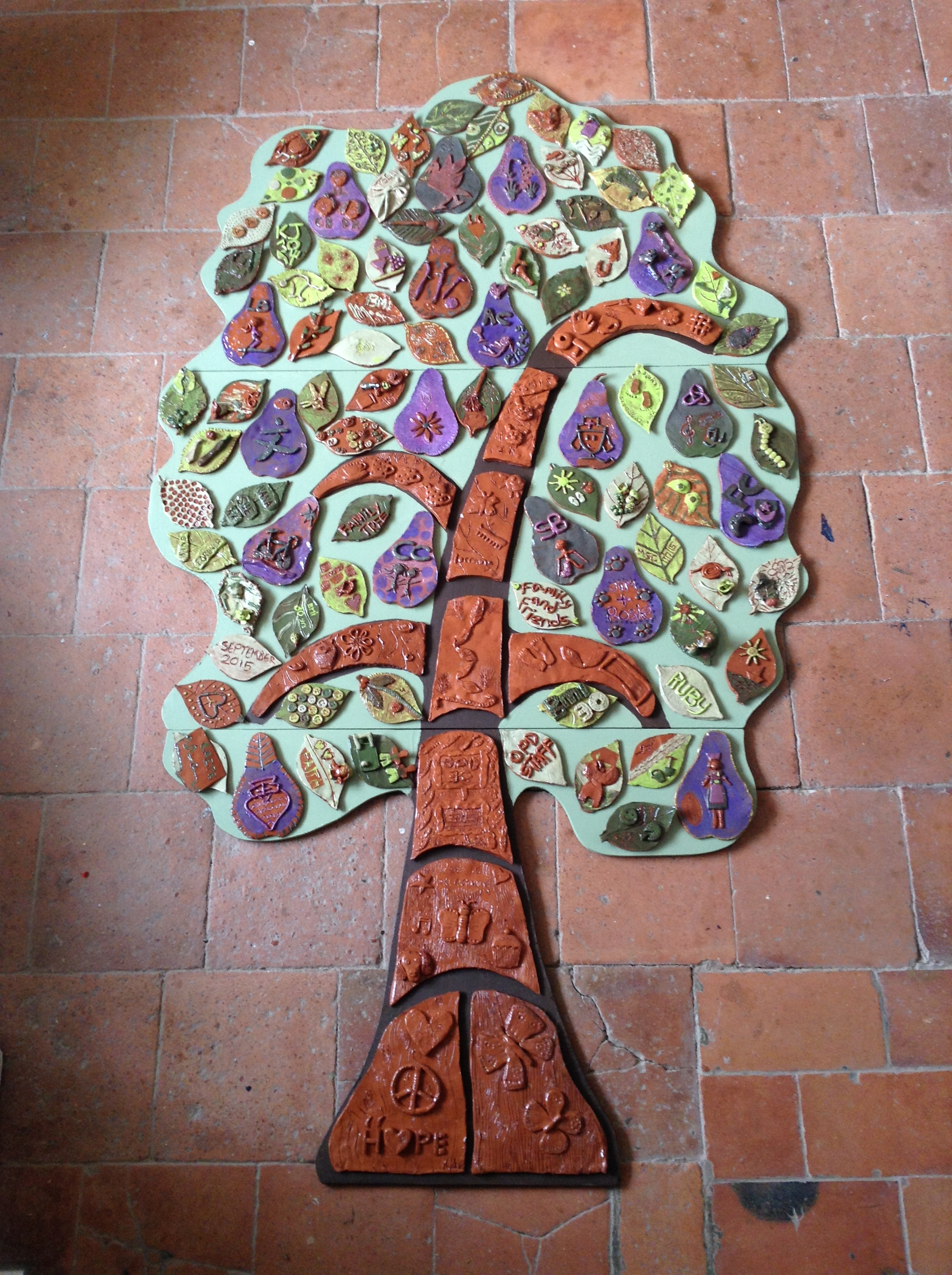 Teambuilding clay tree with Eastnor Pottery