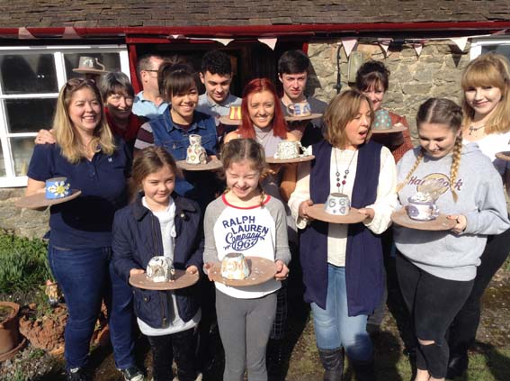 Eastnor Pottery hosts big family group for Christmas gift pottery session