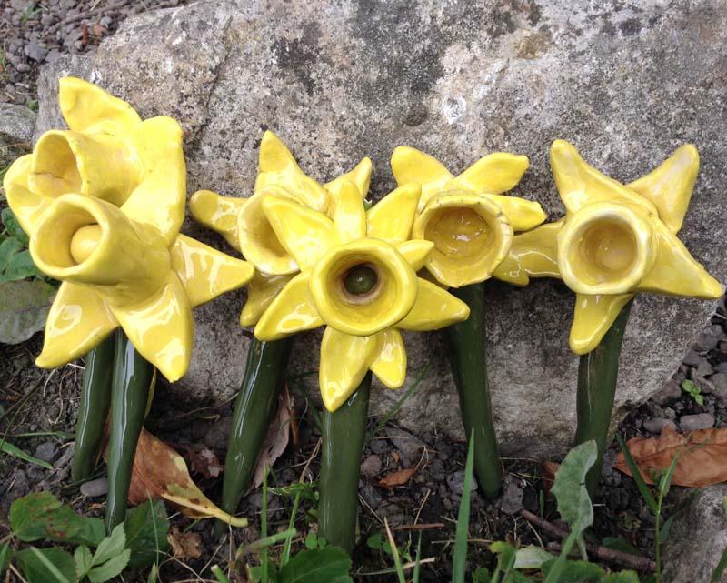 Family make ceramic Daffodils at Eastnor Pottery in memory of beloved family member