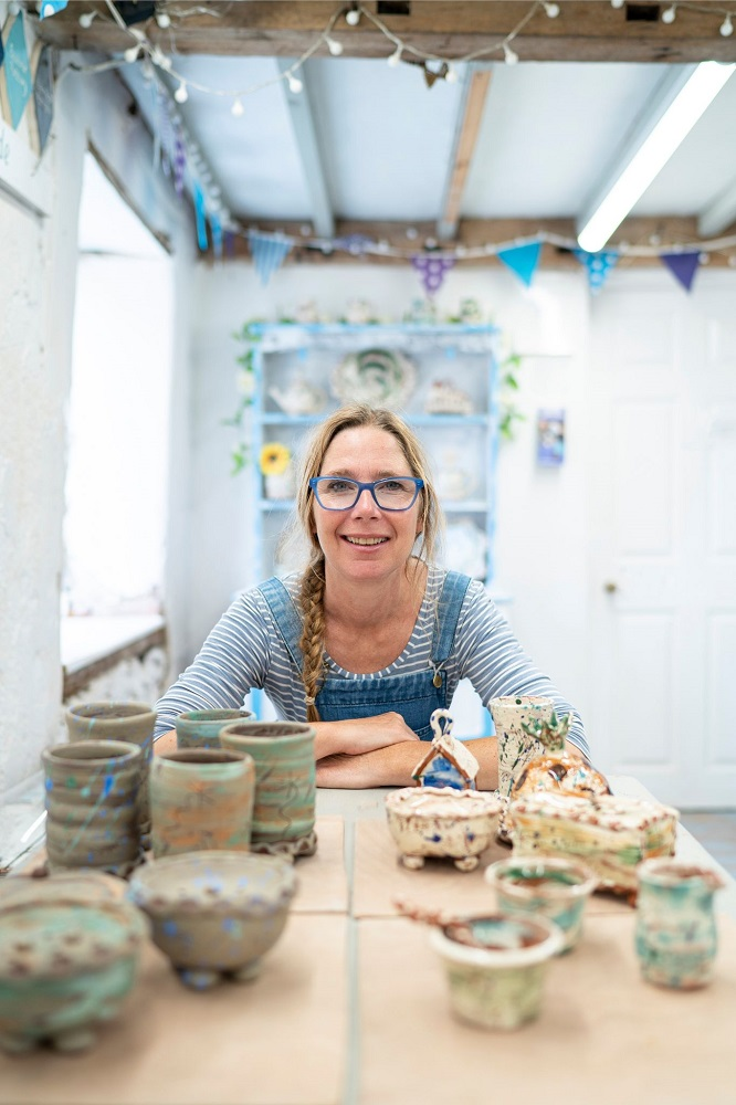 potter sarah monk ceramics in her pottery studio eastnor pottery herefordshire